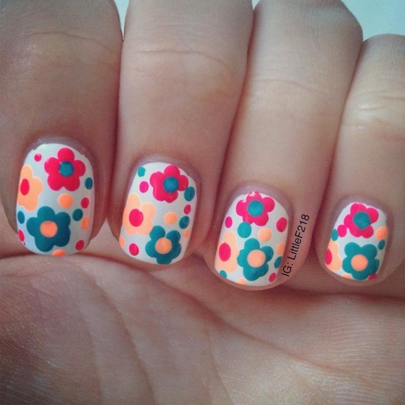 Flowers nail art by  Faye