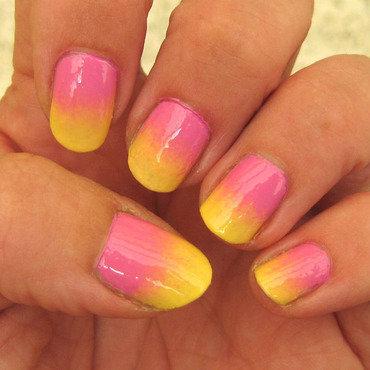 sunny ombre nail art by Vicky