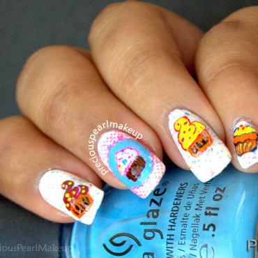 Cupcake nail art 1 001 thumb370f