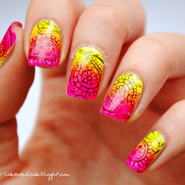 Neon paisley nails 2 thumb370f