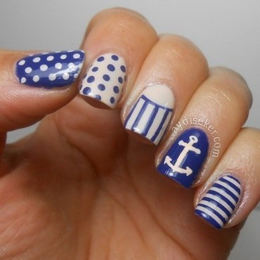 Simple Nautical Mani nail art by Aydi Seker