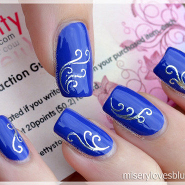 Delicate Vine Patterned Waterdecals nail art by MiseryLovesBlue