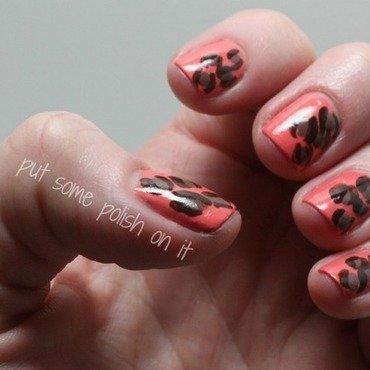 Leopard on the side nail art by Crystal