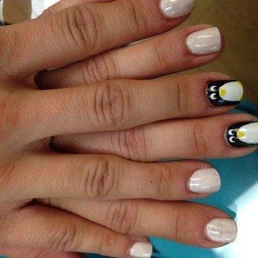 Besties 🐧 nail art by Verosmero