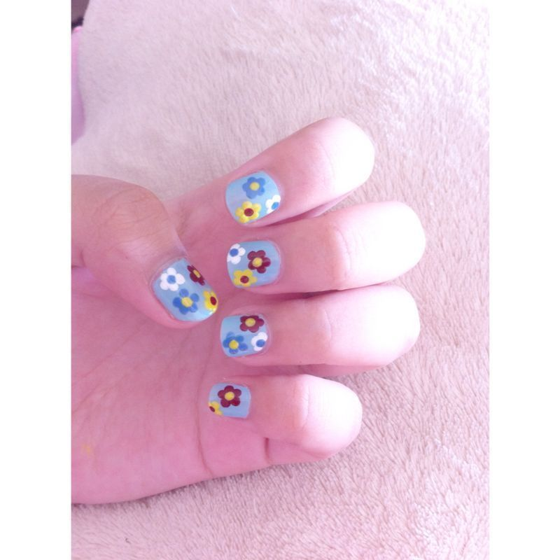 dad's inspired floral nail art by farabigail