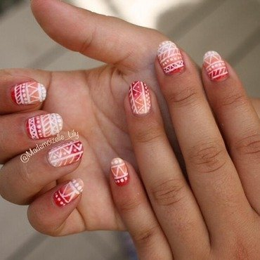 Tribal Corail nail art by Emilie