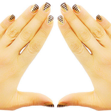 Pyramid nails2a thumb370f