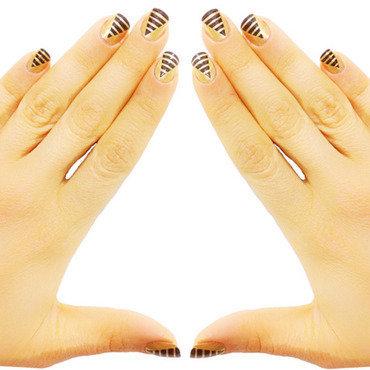 Pyramid Nails nail art by Goldi