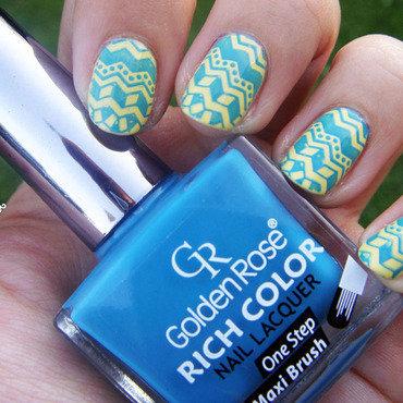 So Aztec nail art by Zosia