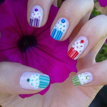 Cupcakes :) nail art by Lakierowniczka