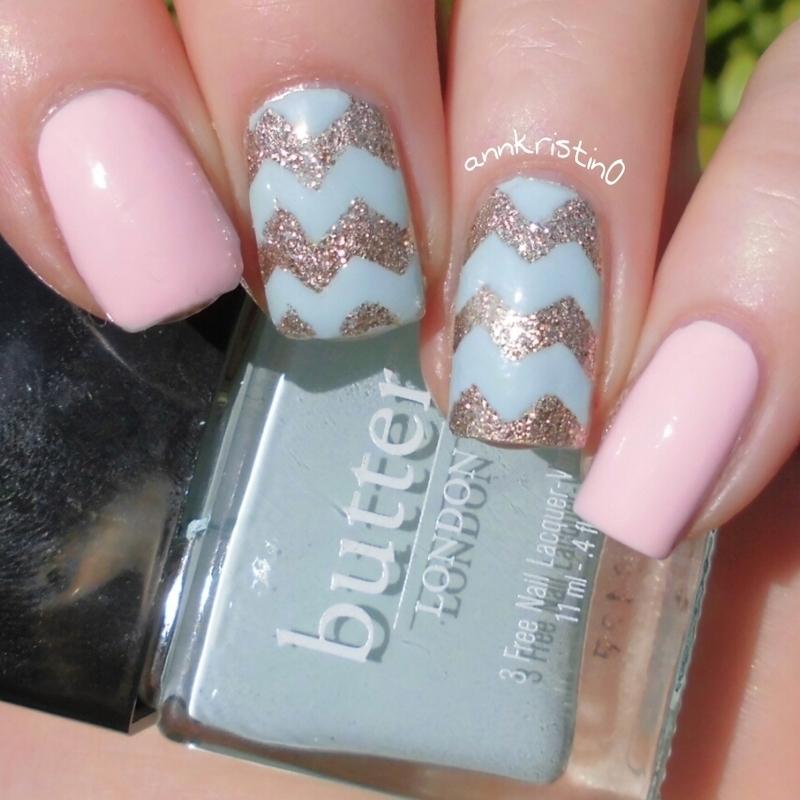 Mint Chevrons nail art by Ann-Kristin