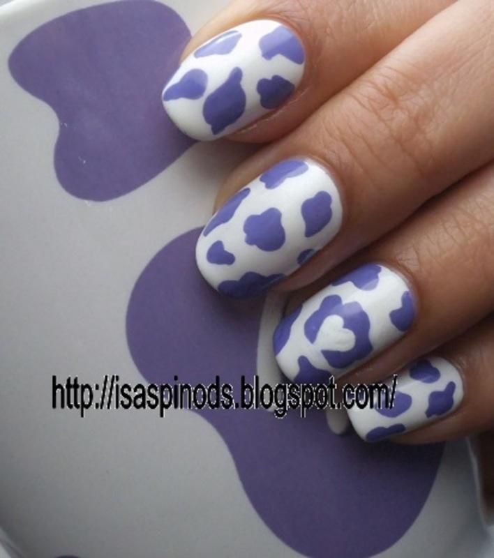 Inspirada en La Vaca Lila de Milka nail art by Isabel