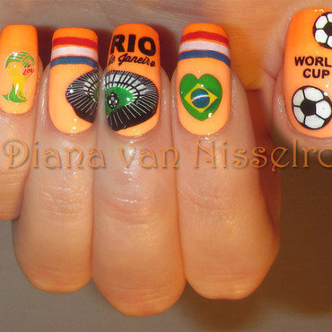 World Cup 2014 nail art by Diana van Nisselroy