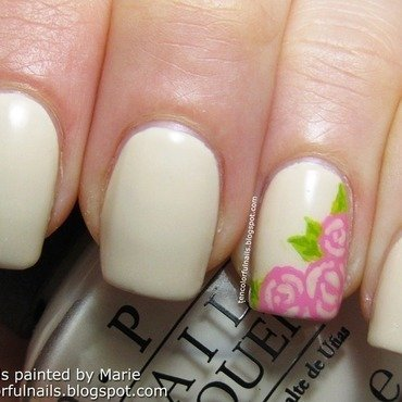 Creme with rose nails thumb370f