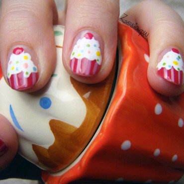 So sweet! nail art by Zosia