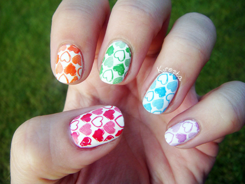 Cute rainbow nail art by Zosia - Nailpolis: Museum of Nail Art