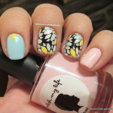 Pastel Leadlighting nail art by Nicole