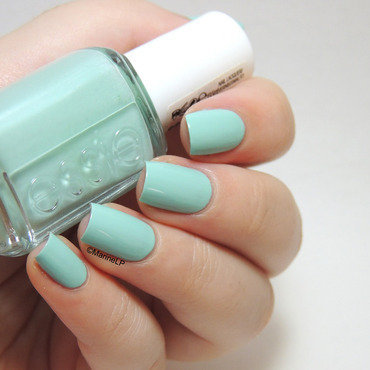 Essie Mint Candy Apple Swatch by Marine Loves Polish