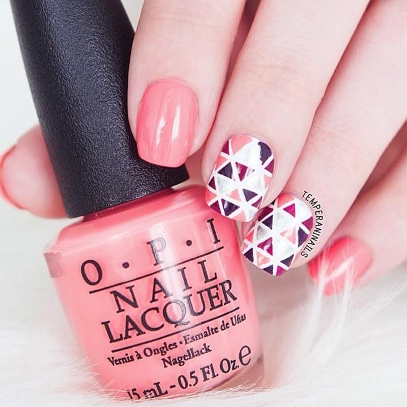 Ttriangles nail art by Temperani Nails