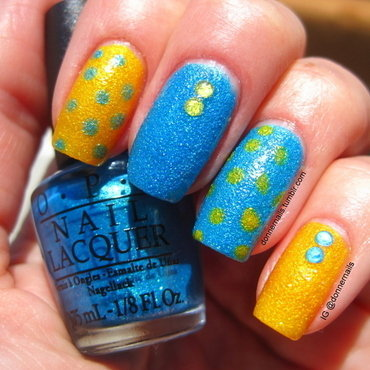 Dots 'n Stones nail art by Donner