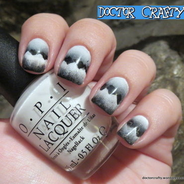 Black and white scaled gradient nail art by Nicole