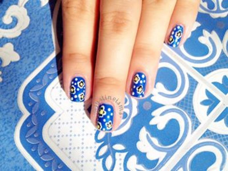 Blue Floral nail art by ℐustine