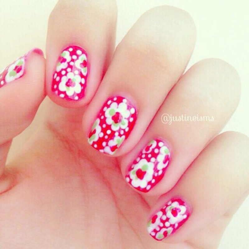 Little Red Roses nail art by ℐustine