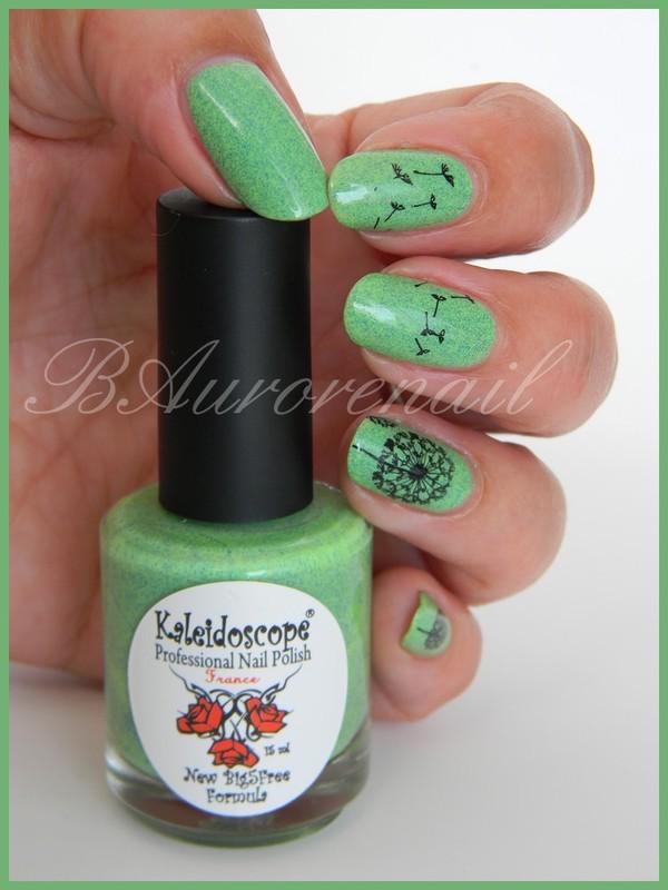 Fleur de pissenlit nail art by BAurorenail