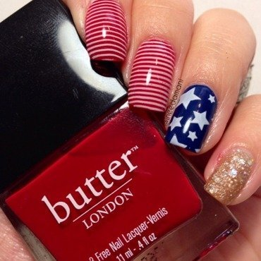 Red, white, and blue flag nails nail art by Carmen Ineedamani