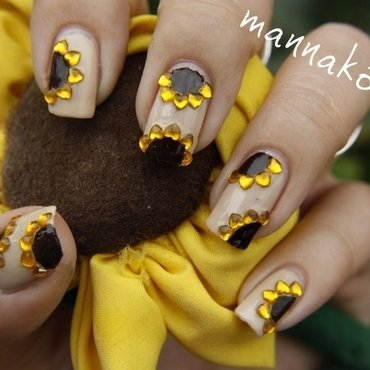 sunflower nail art nail art by Marianna Kovács