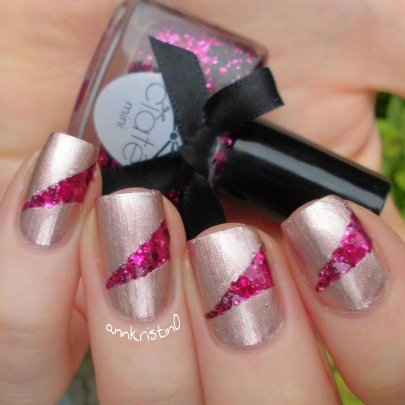 Candy Cane Tape Mani nail art by Ann-Kristin
