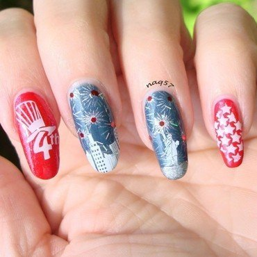 NYC 4th of July nail art by Nora (naq57)
