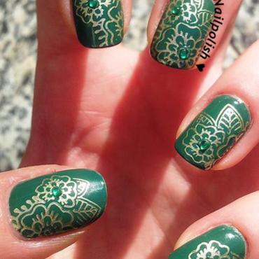 Golden Green Harkus Flowers nail art by Lady Nailpolish Nathalie