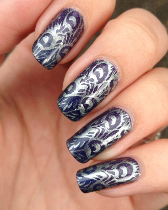 Outside picture peacock nail art by Marissa Jansen