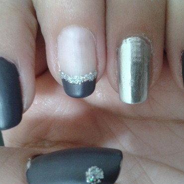 Silver beginner nail art by StfWera
