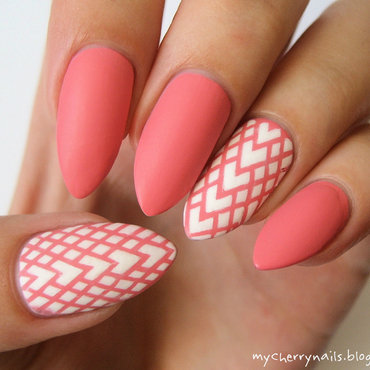 Pink in matte nail art by Pauline