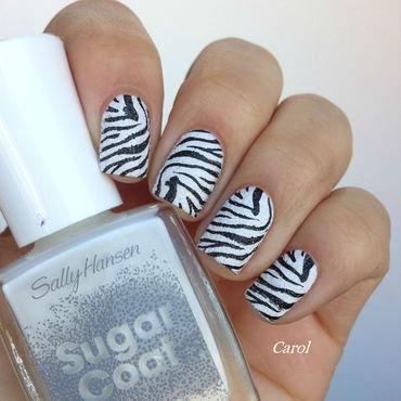 Animal Stamping - Zebra nail art by Carol_Guimaraes