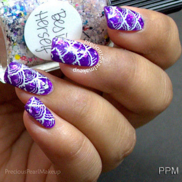 Glitter sandwich with stamping nail art by Pearl P.