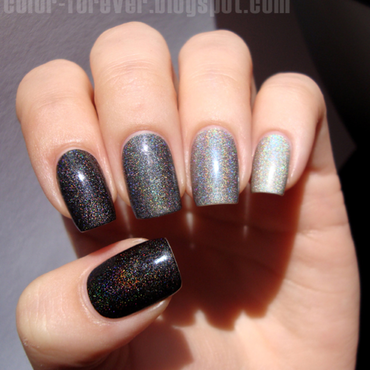 grey holo ombre nail art by ania