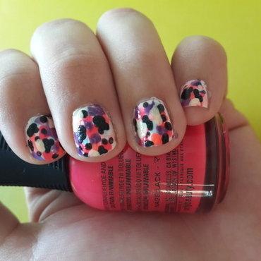 Fake Splatter nail art by Renataremedios