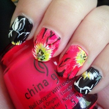 Punchy abstract floral nail art by Niki My Oh My Nails