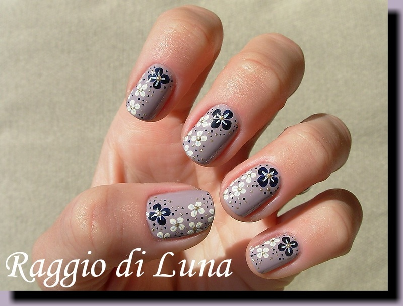 Flower explosion nail art by Tanja