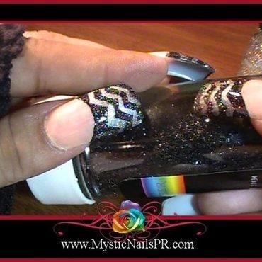Chevron ♥ by Jennifer Perez nail art by Jennifer Perez ♥ Mystic Nails