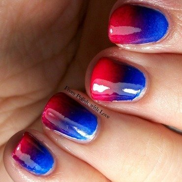 Patriotic gradient nail art by Dani