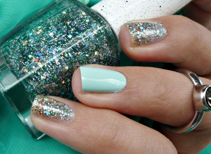 Gabriella Salvete GLITTER Enamel 07 Foresta and Maybelline Super Stay 7 Days 615 Mint For Life Swatch by Romana