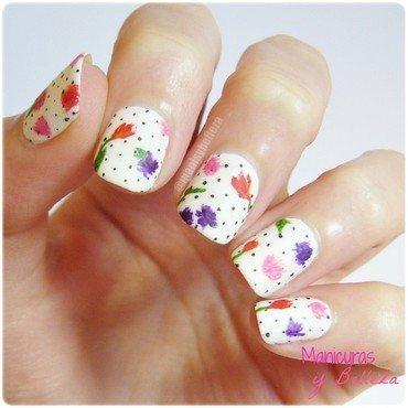 Dots & Flowers Nails nail art by Estefanía Manicuras y Belleza