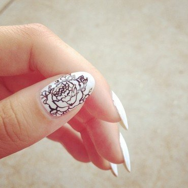 Floral Doodle nail art by Kasey Campa