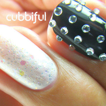Macro Shot - Fierce Bridal Nails nail art by Cubbiful