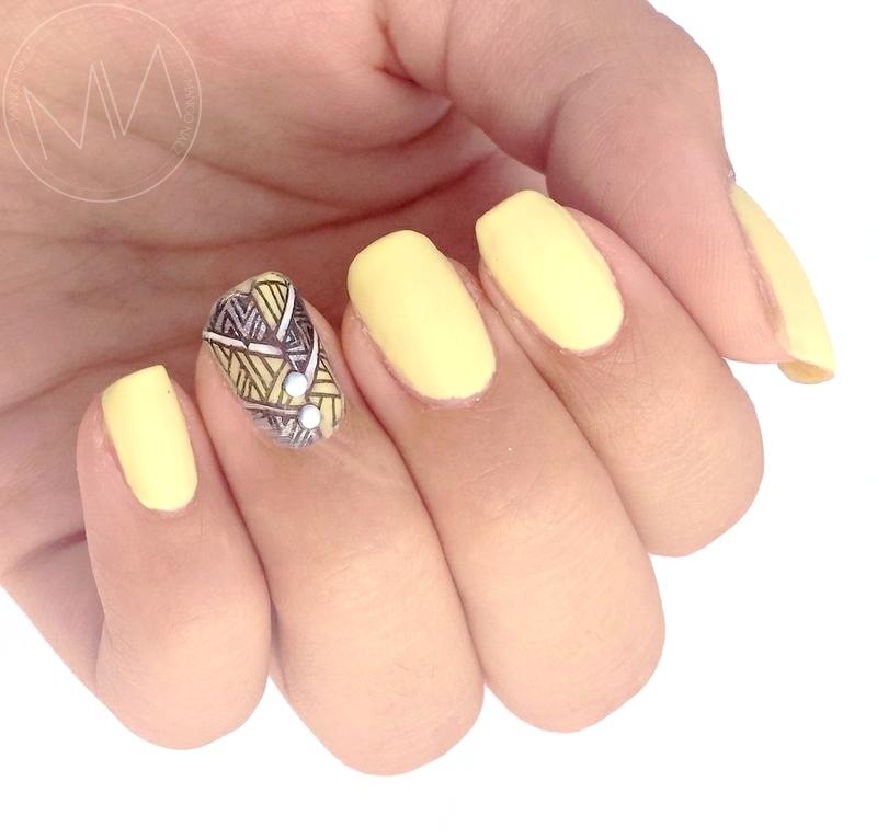 Summer discretion  nail art by Mango Nailz