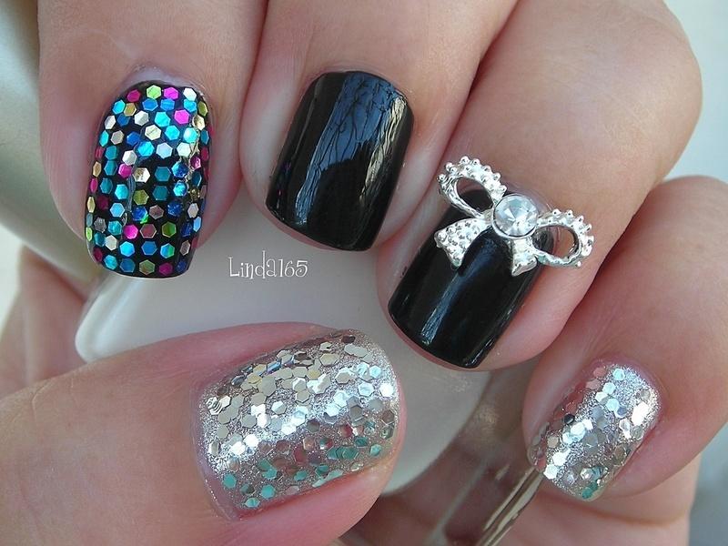 Silver Bow 2.0 nail art by Iliana S.